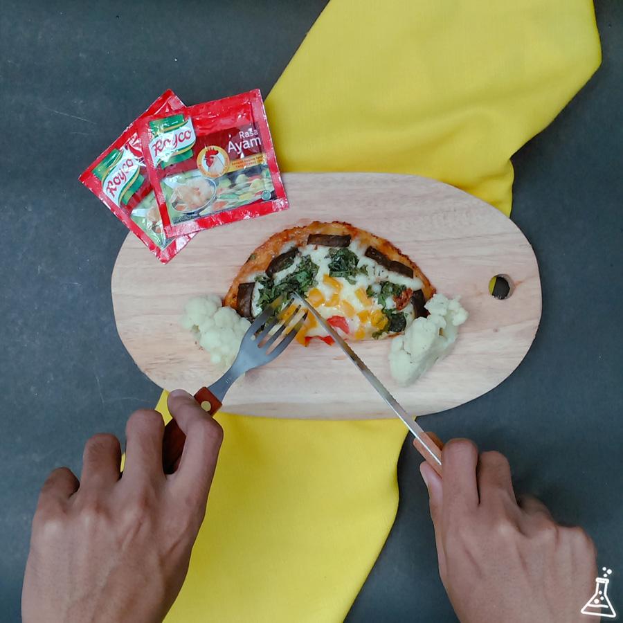 Resep Rainbow Pizza dengan Topping Sayur & Keju Mozzarella