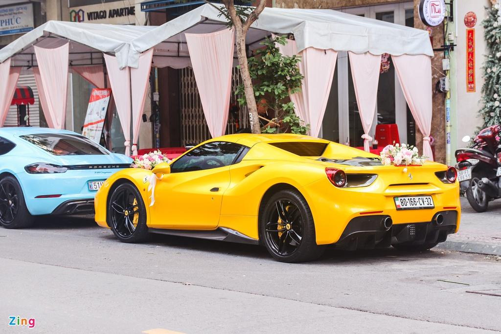 Dàn siêu xe, xe thể thao đình đám trong lễ cưới tại TP.HCM