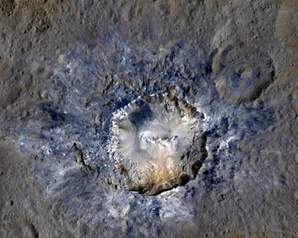 Cráter Haulani.