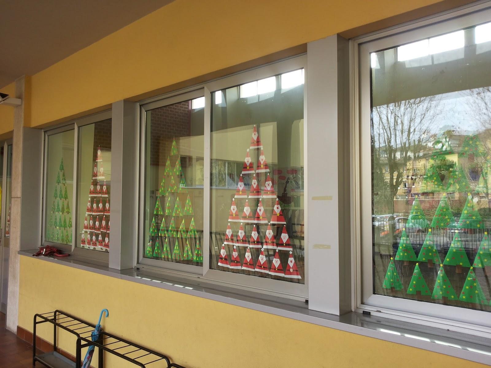 Bimbi della b albero for Addobbi finestre natale scuola infanzia