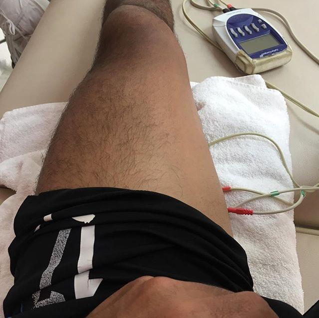 La pierna izquierda de Jesús Sánchez.