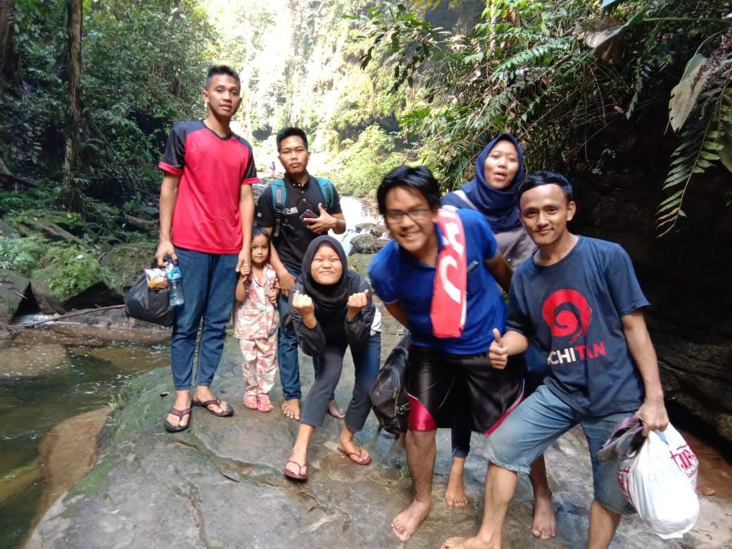 Mandi ke Sungai