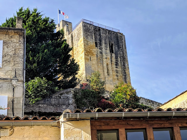 Things to do in Saint-Emilion: climb Chateau du Roy