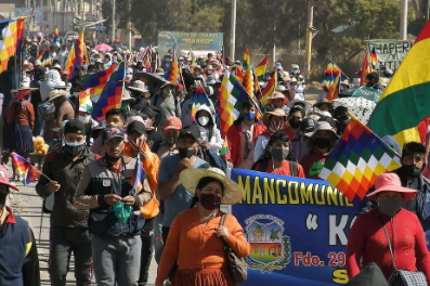 Apoiadores de Evo Morales bloqueiam estradas