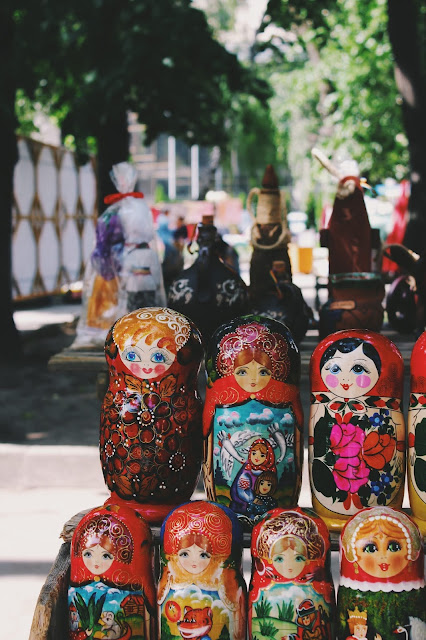 Several Matryoshka dolls