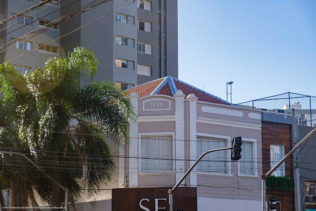 Predinho na Av. João Gualberto, Curitiba - detalhe