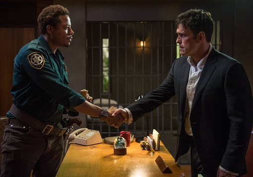 Terrence Howard y Matt Dillon en Wayward Pines