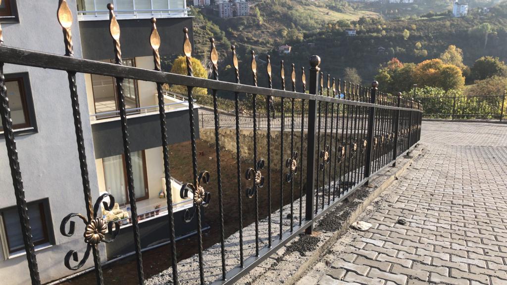 Ferforje Bahçe Korkulukları Modelleri ve Fiyatları Hakkında Bilgiler