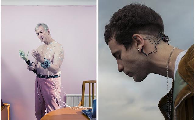 """Слева: Профессор кибернетики Кевин Уоррик, который пошел на ряд экспериментов, чтобы создать интерфейс мозг-машина. Справа: Манель Муньоса, имплантировавший """"биометрические уши"""", позволяющие чувствовать изменение давления."""