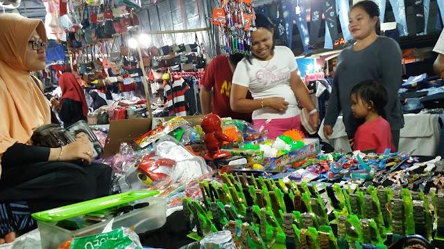 Pasar Senggol Sepi Pembeli, Pedagang Jual Harga Obral