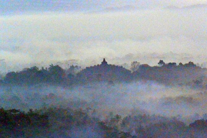 Candi Borobudur dari Punthuk Setumbu Magelang