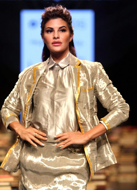 Jacqueline Fernandez at Lakme Fashion Week 2016
