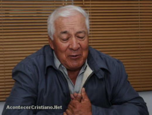 Pastor reconoce error acusado por su conciencia