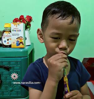 Terapi Madu, Tips Ampuh Melawan Penyakit Pada Anakku