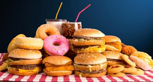 Hindari 8 Jenis Makanan yang Tak Baik untuk Kesehatan Otak Ini!