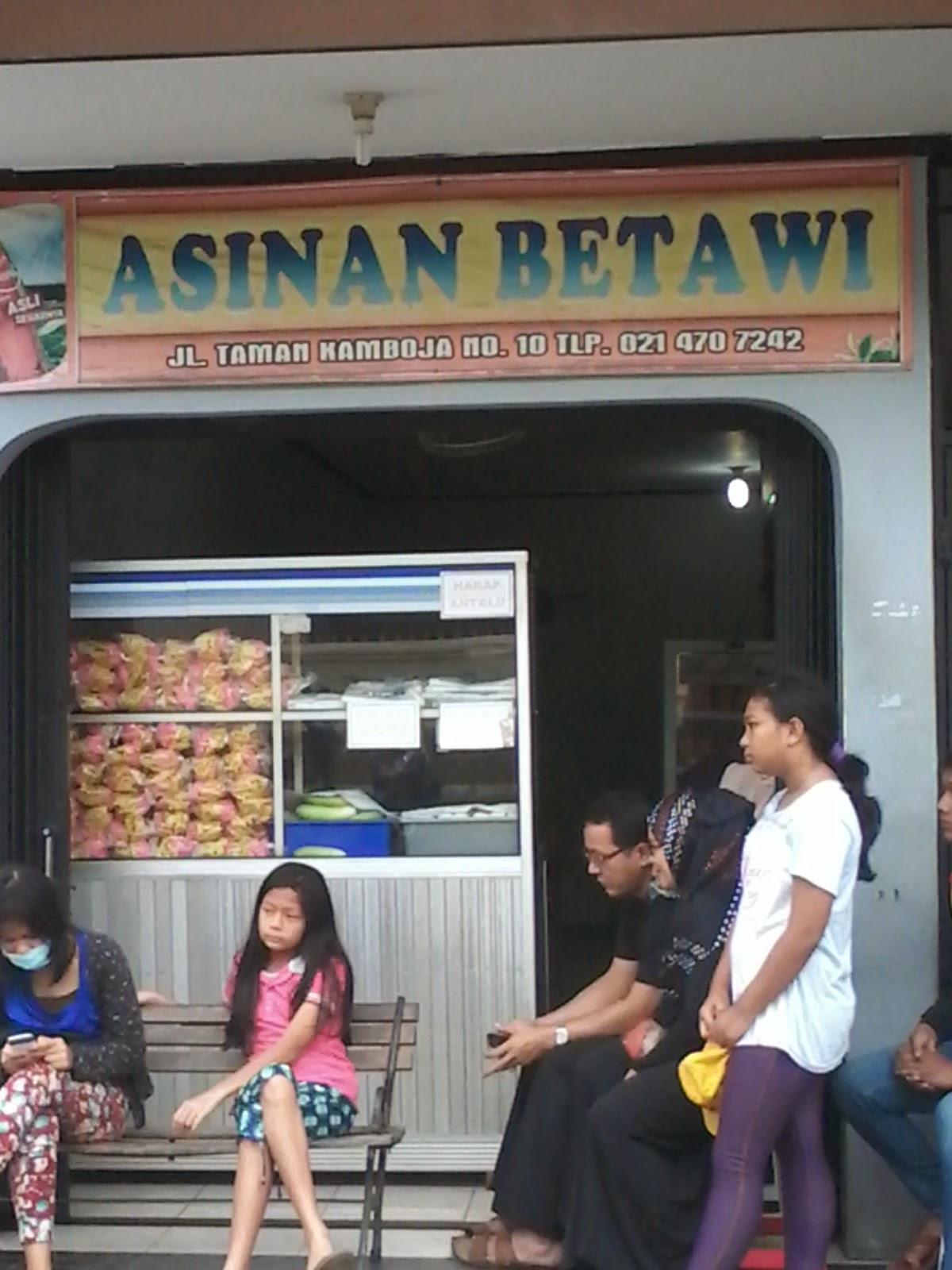 tempat jajanan asinan kamboja Rawamangun