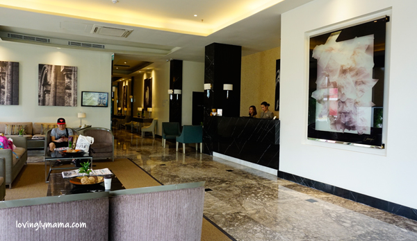 Seda Atria premier room review - Iloilo City - Iloilo hotels - Seda hotels - Philippines hotels - Bacolod blogger - Bacolod mommy blogger- family travel - front office- lounge - lobby