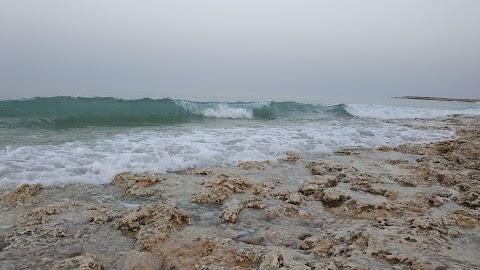 روعه صوت ومنظر موج البحر كالزجاج (The sound and view of the sea wave)
