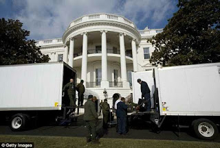 Obama Moves Out as Trump Moves into the White Today (Pictures