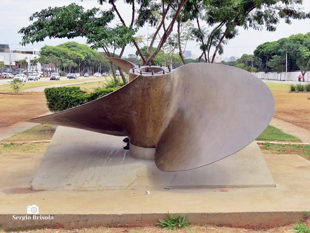 Close-up da Hélice do contratorpedeiro Mariz e Barros - Santana - São Paulo