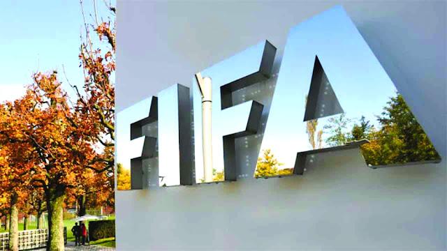 'الجائحة' تجبر 'فيفا' على تأجيل بطولتي كأس العالم!