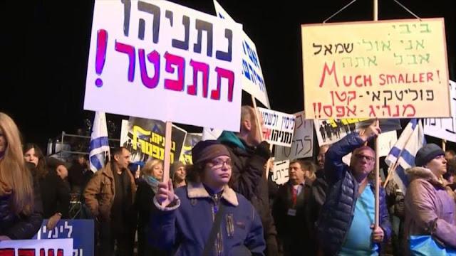 """Netanyahu, renuncia"", gritan indignados manifestantes israelíes"