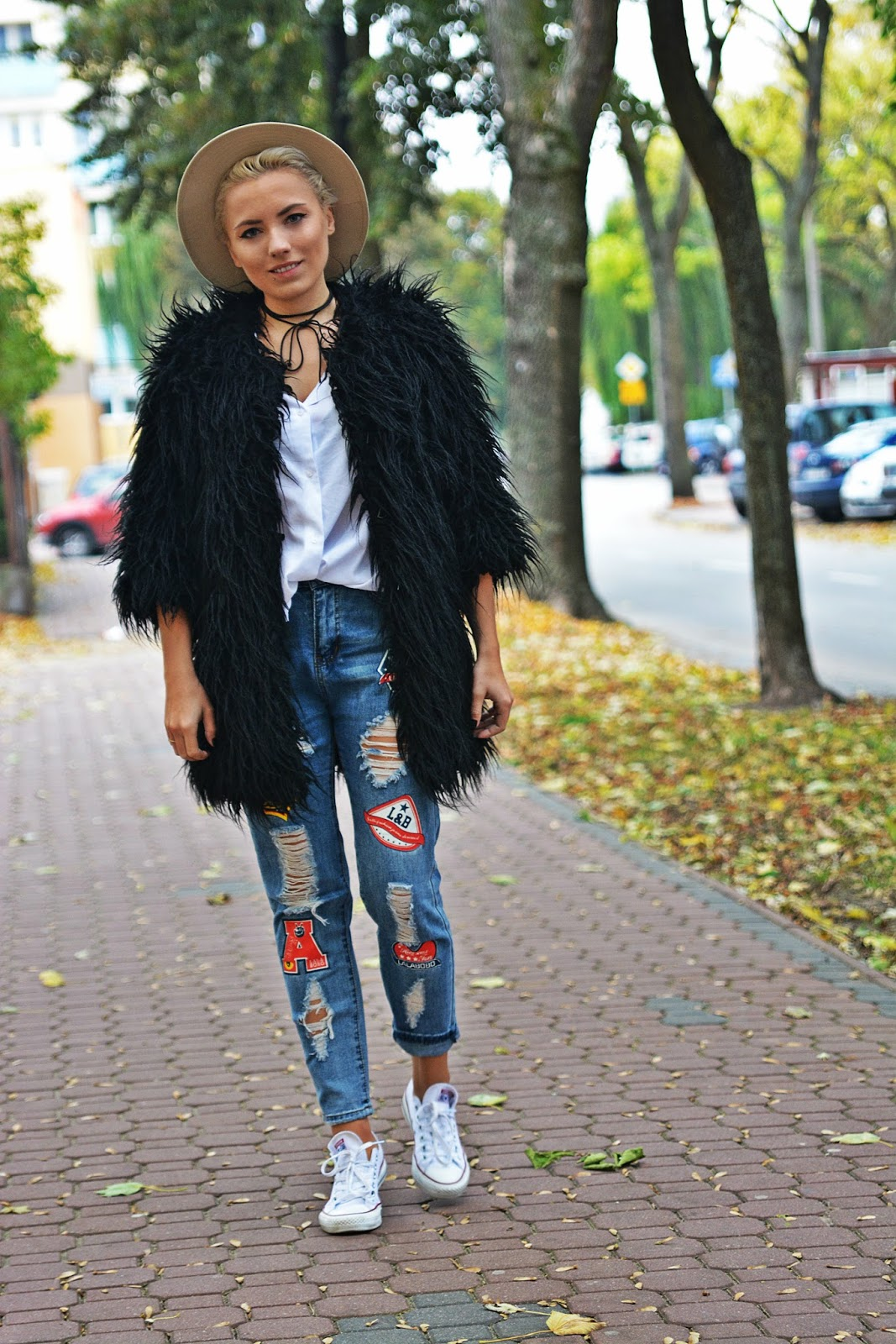 spodnie_z_naszywkami_blogerka_karyn_pulawy_futerko_czarne_2812161