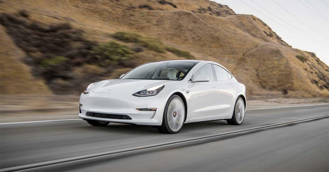 Tesla Model 3 blanco