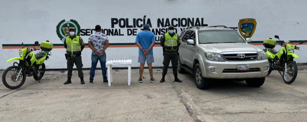 https://www.notasrosas.com/Setra captura dos personas en la vía Riohacha - Paraguachón, por transportar municiones de manera ilegal