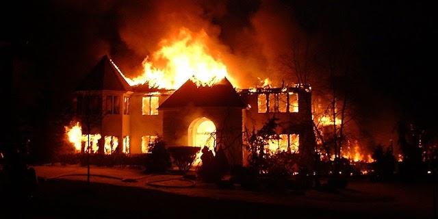 Breaking News: Panic As Fire Guts Ibadan NNPC Depot