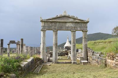 Αναστηλώθηκε το τετρακιόνιο δωρικό πρόπυλο του Γυμνασίου στην Αρχαία Μεσσήνη