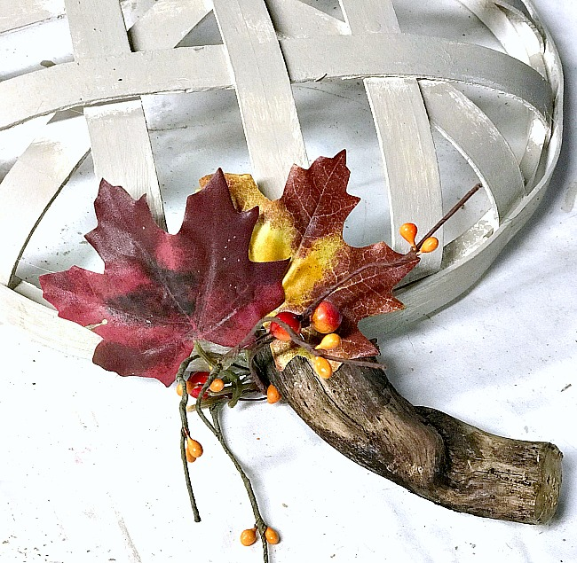 Tobacco basket with fall leaf