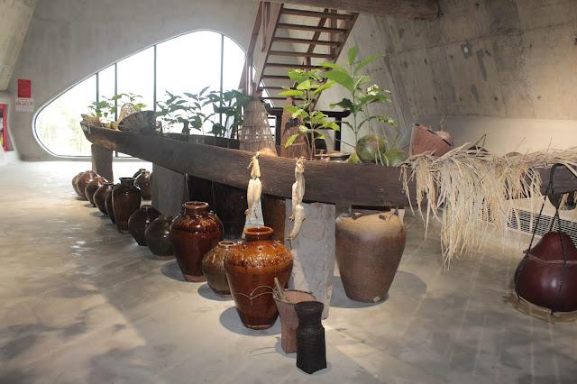 Bộ sưu tập ché tại Bảo tàng thế giới cà phê