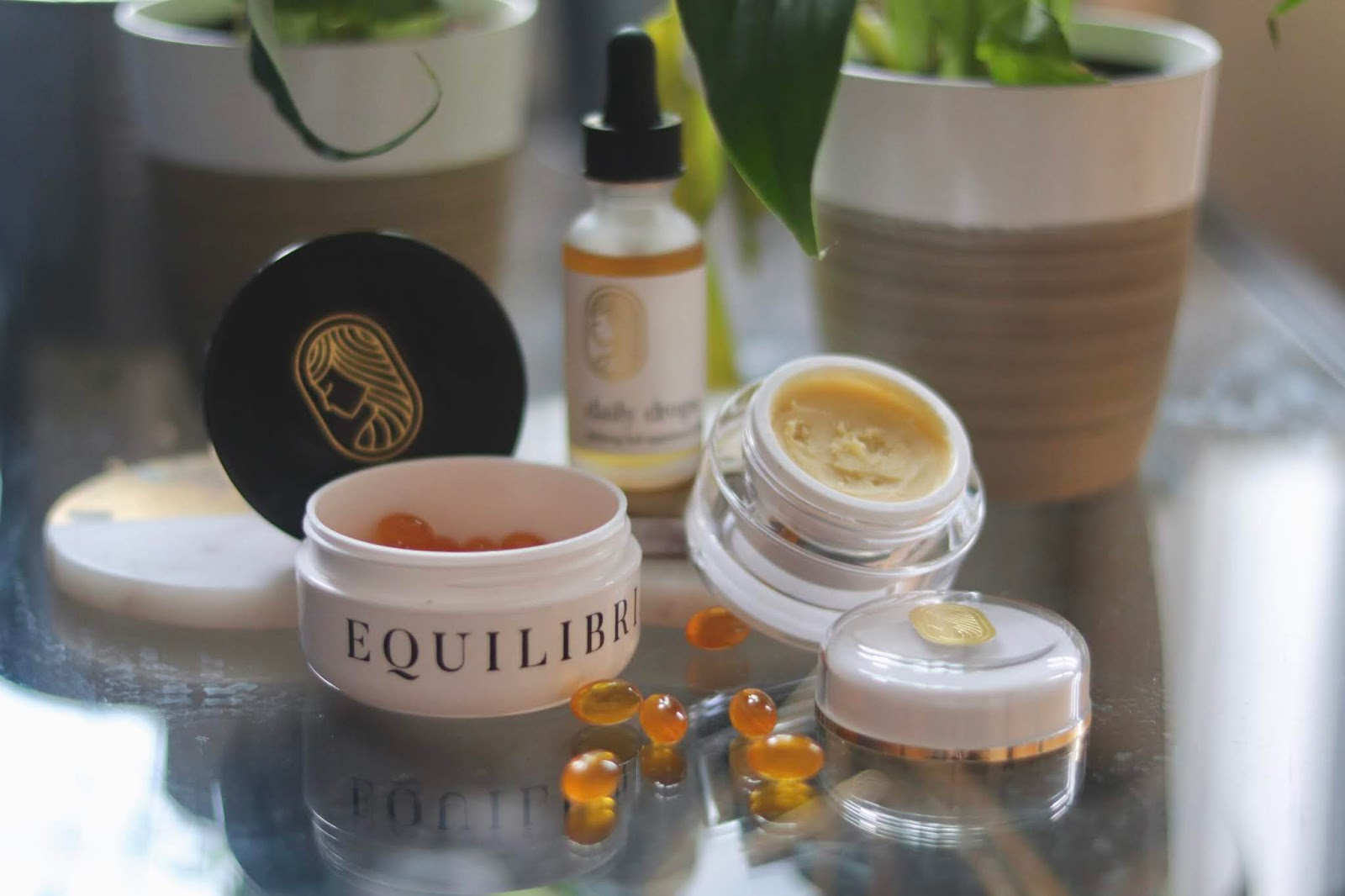 Chicago Plus Size Petite Fashion Blogger, influencer, YouTuber, and model Natalie Craig, of Natalie in the City, reviews Chicago-based woman-owned CBD brand Equilibria.