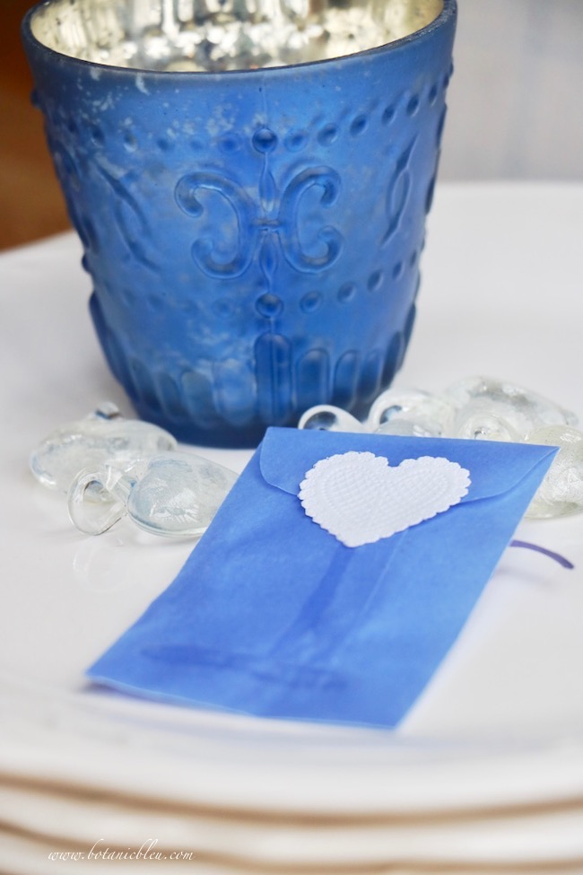 DIY heart party favor envelope