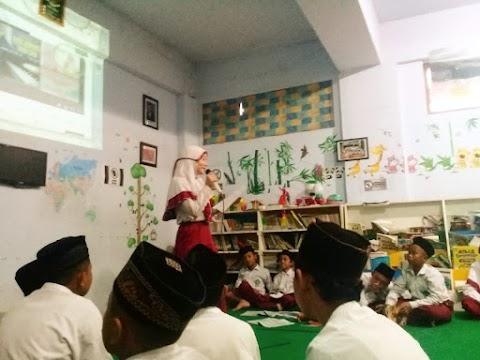Kelas 6 B MI Miftahul Akhlaqiyah Berpidato