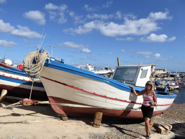 barche nel porto di Marettimo