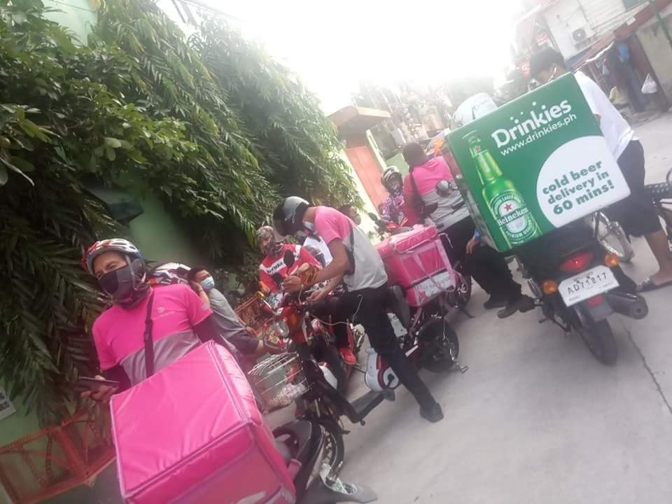 10 food delivery riders pranked by one person