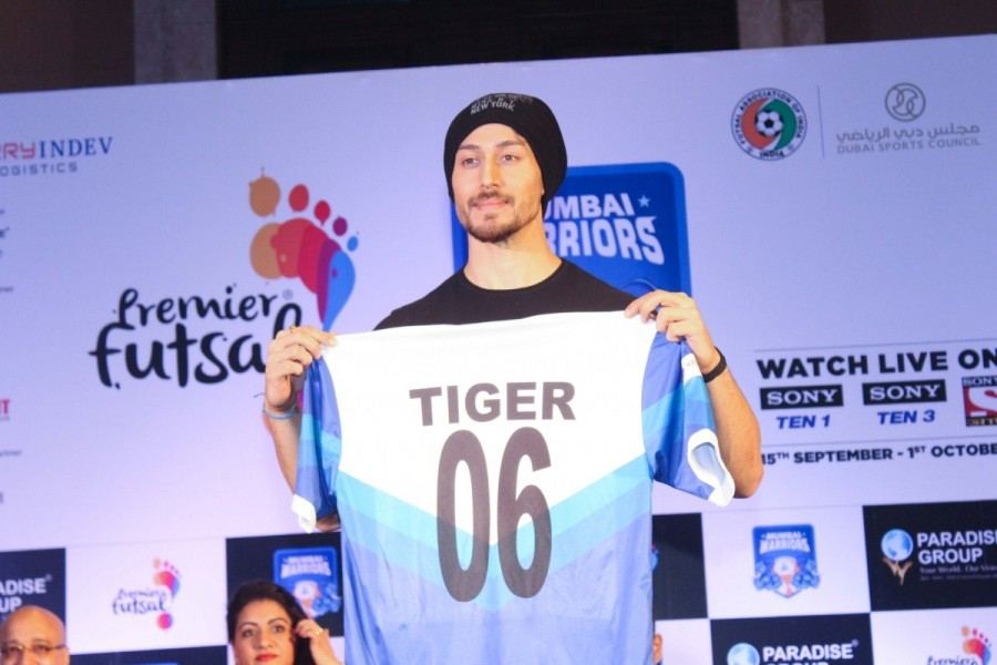 Tiger Shroff Launches Mumbai Warriors Season 2 Jersey