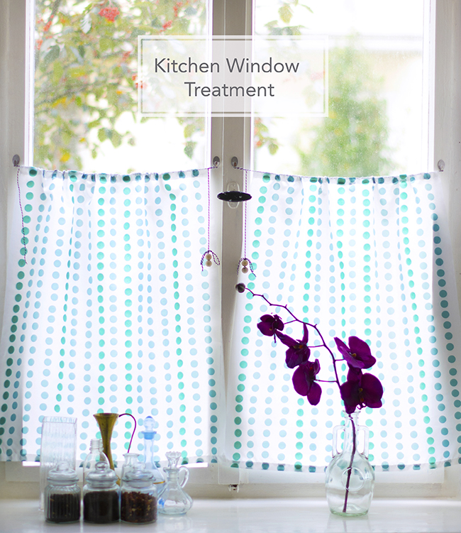 DIY Quick Kitchen Curtains