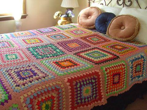 Puerta al sur las mantas a crochet granny estan de moda - Mantas a crochet ...