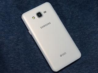Điện thoại Samsung Galaxy J7