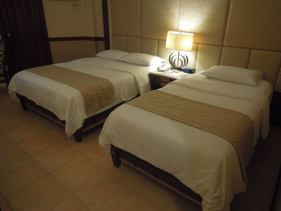 Boracay Regency Hotel (Henann Regency Resort and Spa) deluxe room beds
