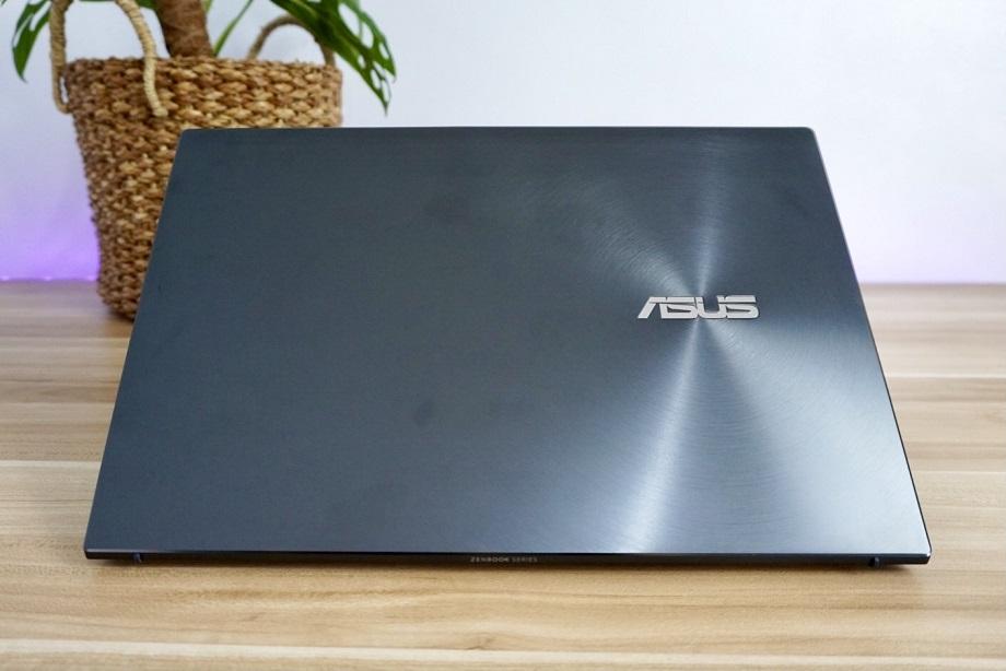ASUS Zenbook 13 OLED UM325 Review: Design