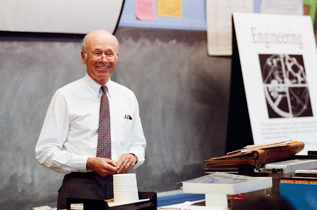 Image Attribute: Engineers Week - Steve Bechtel Jr. led more than 5,000 engineers in classroom teach-ins as part of chairing Engineers Week in 1990. / Source: Bechtel