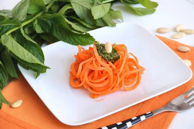 Spaghetti di carote alla menta