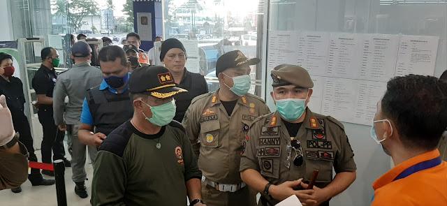 Tindaklanjuti Edaran Walikota , PolPP lakukan Sosialisasi dan Operasi tutup beberapa tempat usaha di Kawasan Megamas