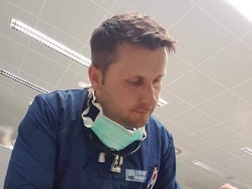 La Serbia libera il dentista dal Kosovo Ibrahim Matoshi, dopo due mesi di detenzione