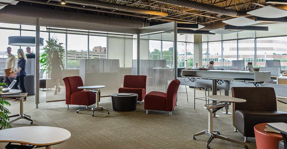 Reasons Why You Should Try Working in A Shared  Office Space