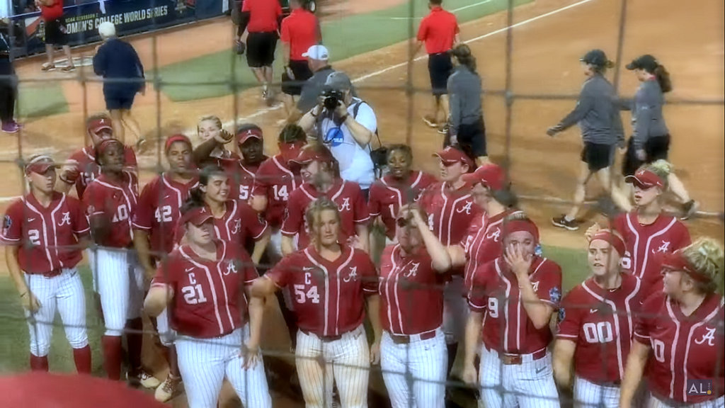 The wild Alabama softball rally ends little in OKC
